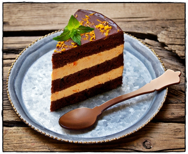 LAYER CAKE DE CHOCOLATE Y MOUSS DE NARANJAS1.JPG