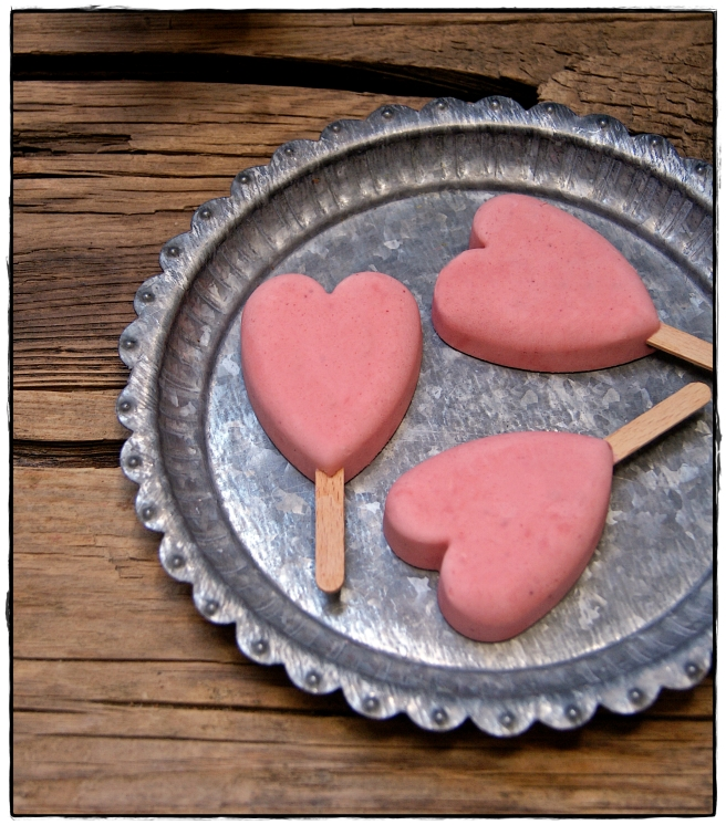 corazones de yogur y fresas.JPG