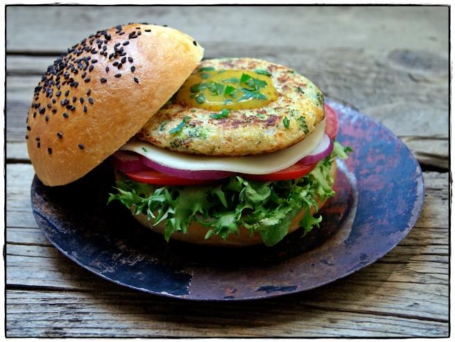 hamburguesa veguetal de quinoa y brocoli.JPG