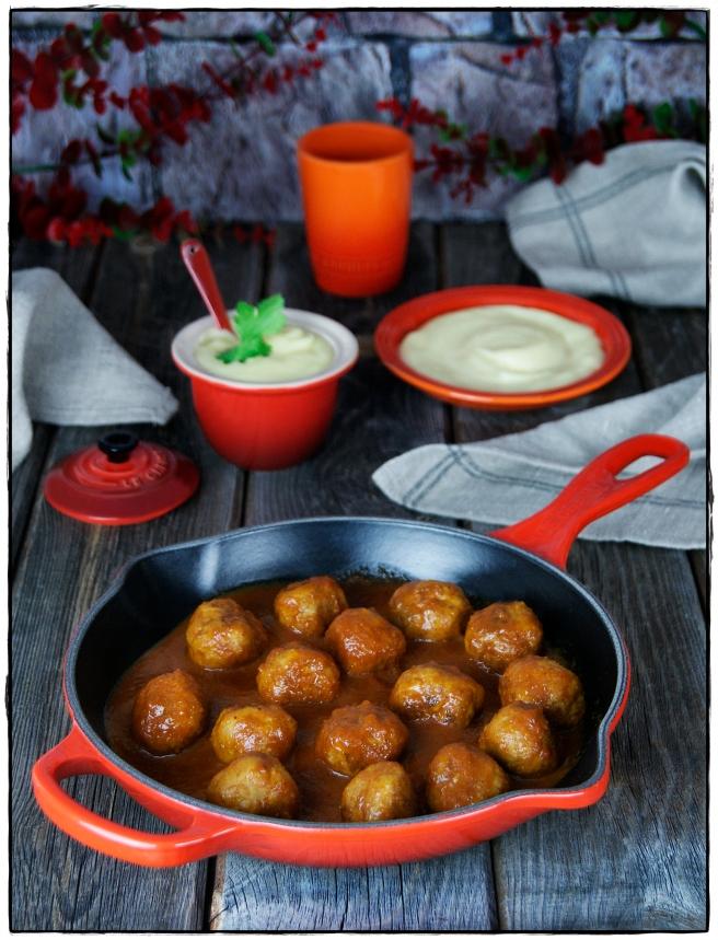 albóndigas con salsa barbacoa y puré de patata 0.JPG