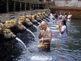INDONESIA - BALI (TEMPLO PURA TIRTA EMBUL)