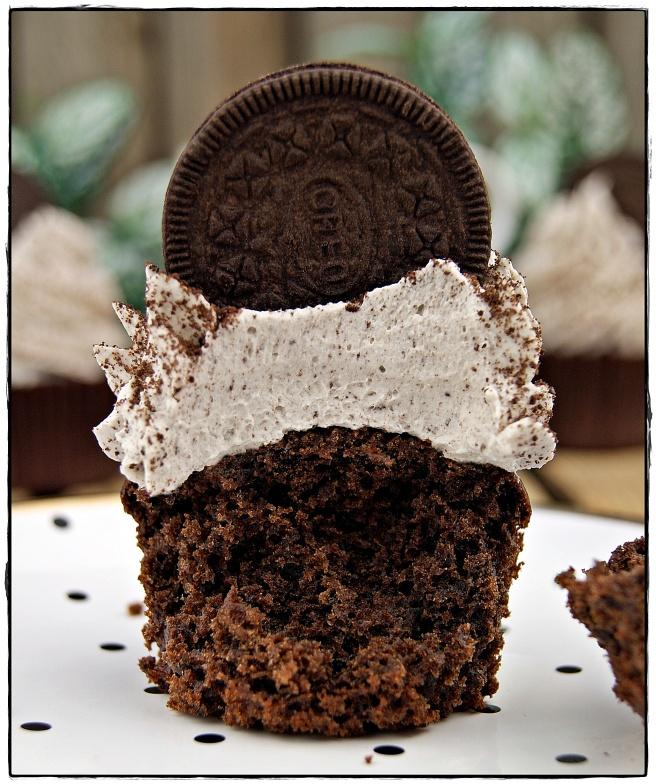 cupcake oreo 2,2.JPG